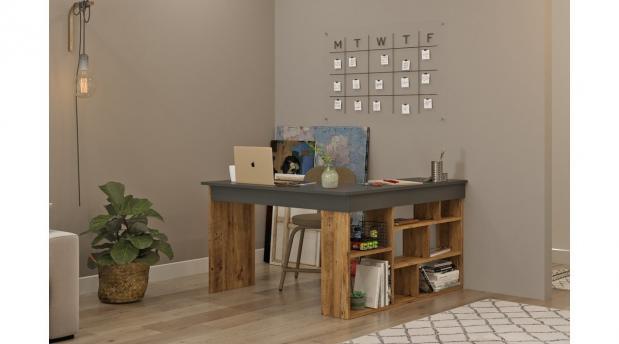 Kompüter masası
